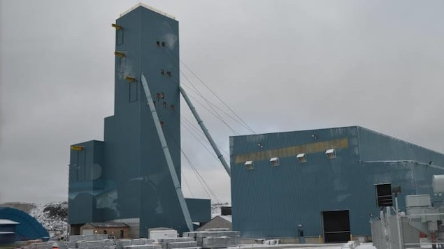 Le puit de mine de la mine North American Palladium à Gull Bay.