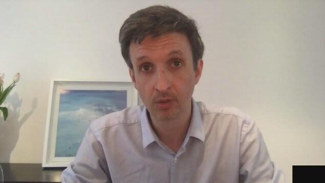Portrait du Dr Yves Longtin.