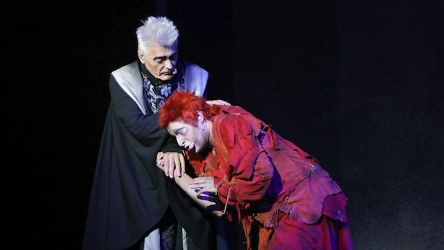 Daniel Lavoie sur scène lors de la première de la tournée anniversaire de Notre-Dame-de-Paris