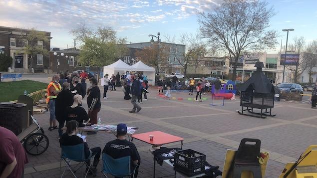 La Nuit des sans-abri a eu lieu à la Place de la citoyenneté de Rouyn-Noranda