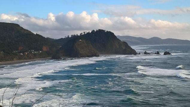Les vagues de l'océan pacifique