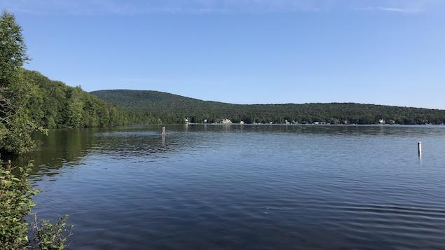 Une opération de nettoyage a été menée au lac Saint-Joseph le 13 août 2020.