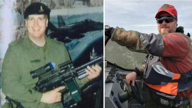 Deux images montrant la même personne vêtue différemment. Sur l'image de gauche, il tient une arme à la main et sur celle de droit il est dans un bateau.