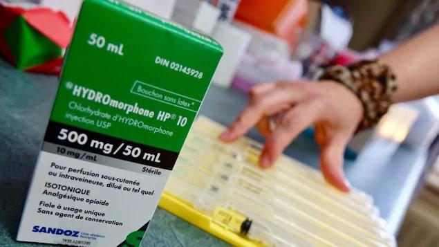"""Une boîte de médicament """"hydromorphone""""."""
