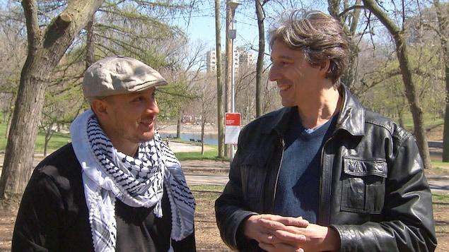 Samian et Jean-Michel Malouf dans un parc