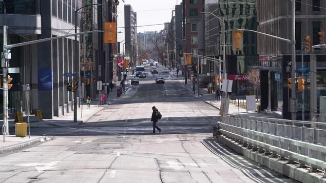 Une rue pratiquement vide