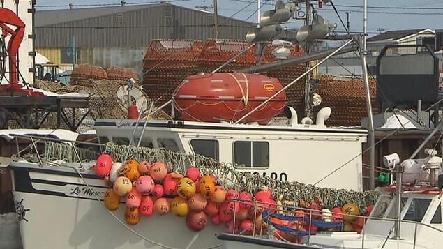 De nombreux bateaux de pêche sont aujourd'hui équipés de l'Ovatek, un radeau de sauvetage en forme d'oeuf.