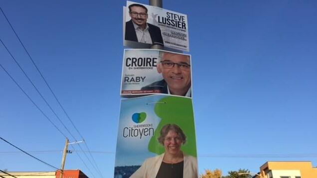 La campagne municipale débute. Les pancartes ont été accrochées pendant la nuit.
