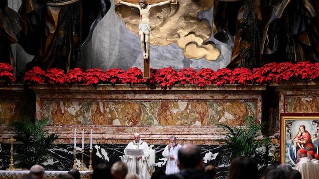Le pape François à la basilique Saint-Pierre.