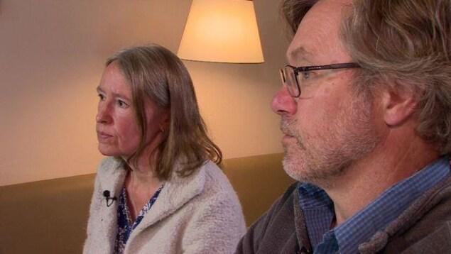 Les parents de Jack Letts, Sally Lane et John Letts
