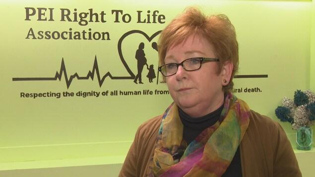 Patrica Wiedemer, la directrice de l'association PEI Right to Life située à Charlottetown, dénonce les avortements.