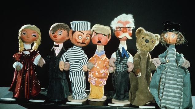 Les marionnettes de l'émission Pépinot : Capucine, son frère Pépinot, le méchant Pan Pan, Monsieur Potiron, l'astrologue Monsieur Blanc, l'Ours et Madame Poinson
