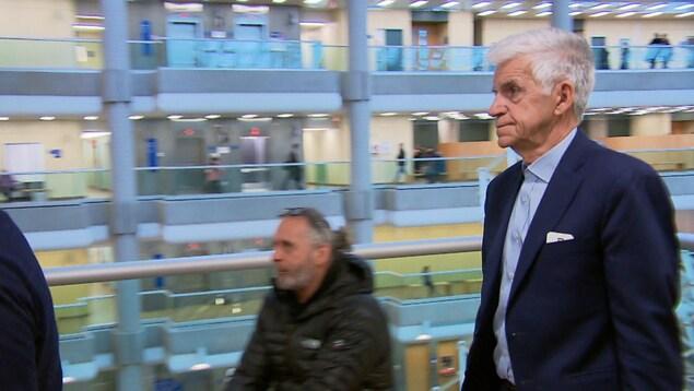 Philippe Thomassin a plaidé coupable à neuf chefs d'accusation en vertu de la Loi sur l'immigration et la protection des réfugiés. On le voit ici au palais de justice de Québec