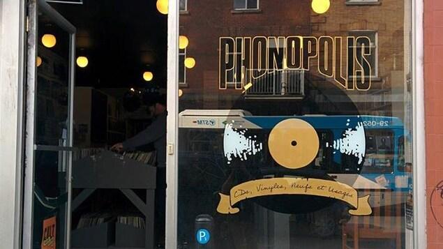 Le magasin Phonopolis, sur la rue Bernard, dans le quartier Mile End.