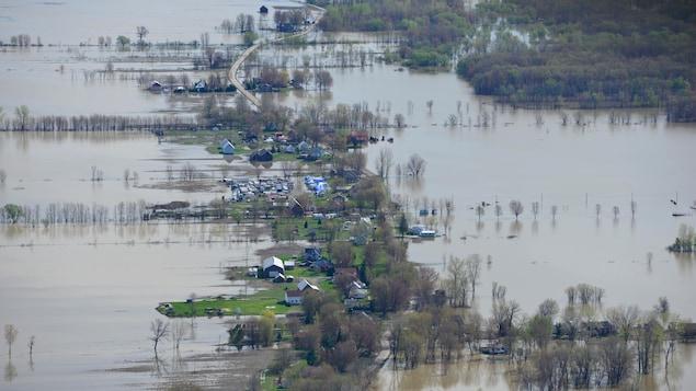 Photographie aérienne prise lors des inondations du Québec.