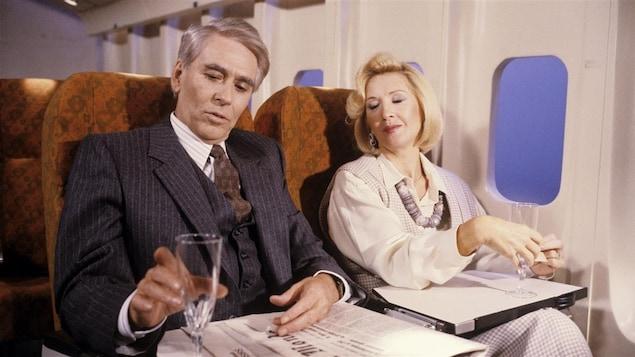 Jean Gontrin (Benoît Girard) et Louise Robert (Andrée Lachapelle) dans le téléroman «Monsieur le ministre» en 1985