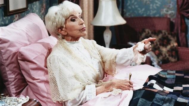 Janine Sutto personnifie Margot dans «Maman chérie» en 1997.   Photo : Radio-Canada/Jean Bernier