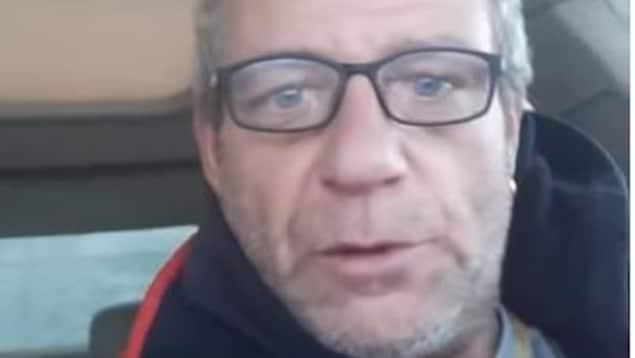 Gros plan sur le visage de Pierre Dion