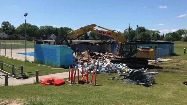 Démolition de la piscine Norwood.