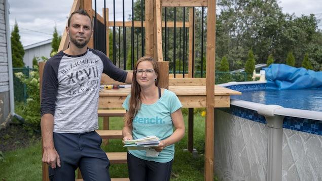 Un couple de Trois-Rivières a reçu des amendes totalisant 2000 $ pour ne pas avoir conformé leur piscine, à temps.