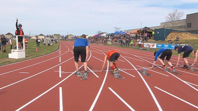Des sprinteurs à la ligne de départ