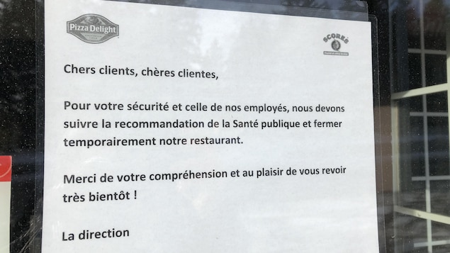 Affiche d'information de fermeture temporaire.