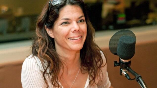 Catherine Durand en entrevue à la radio