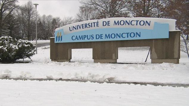 Affiche de l'Université de Moncton