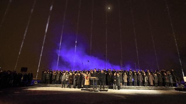 14 faisceaux ont illuminé le ciel de la métropole.