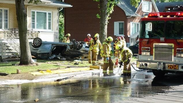 Les pompiers ont été appelés sur les lieux de l'accident.