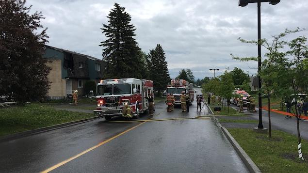 pompiers dans la rue