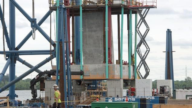 Les grands chantiers comme le pont Champlain (photo) dopent l'économie de la métropole.