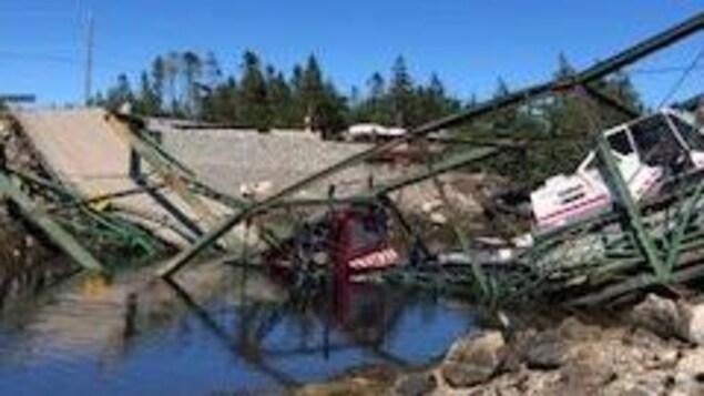 Un pont effondré.