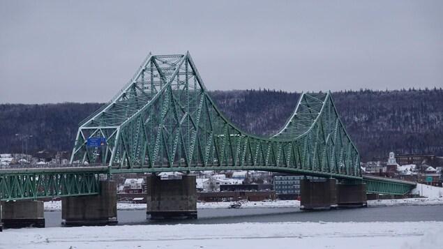 Le pont J.C. Van Horme.