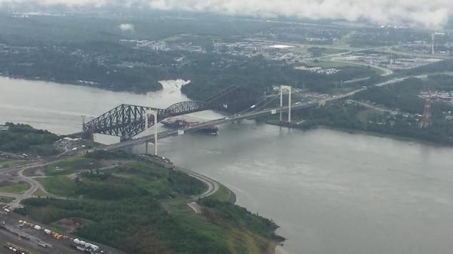 La congestion n'était pas aussi importante que prévu lundi matin sur les ponts Pierre-Laporte et de Québec.