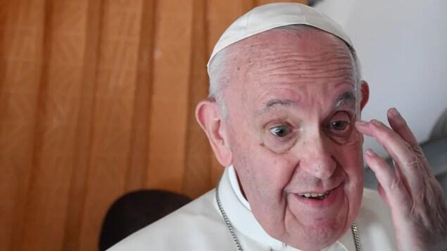 Close up shot ni Pope Francis.
