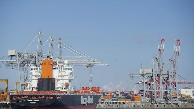 Le port de Montréal en 2016.