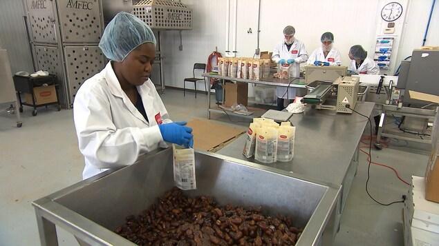 L'entreprise Prana paie ses employés au bas de l'échelle salariale plus de trois dollars supplémentaires que le salaire minimum.
