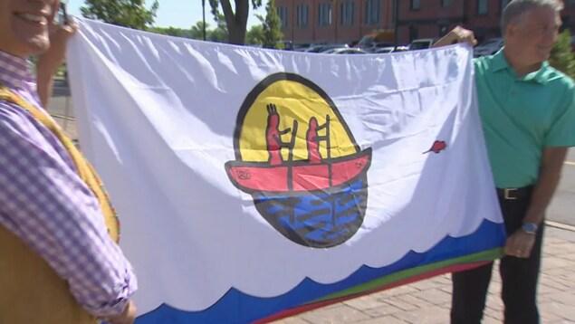 Un drapeau autochtone