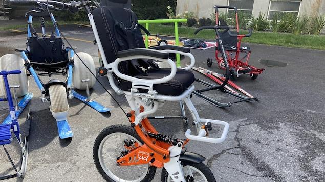 Des équipements de sports pour personnes handicapées.