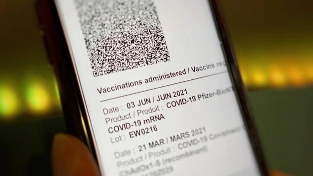 Une preuve de vaccination de la Saskatchewan avec un code QR.
