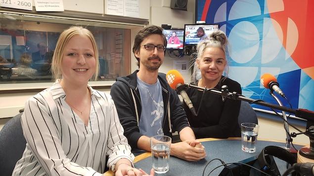Audrey Naud, Martin Giguère et Guylaine Rivard en studio.