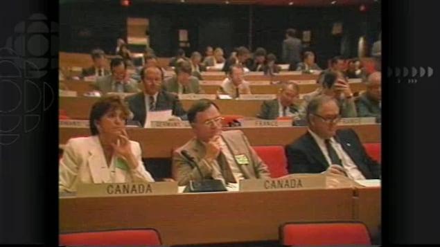 La délégation canadienne lors de la Conférence mondiale de Montréal en 1987