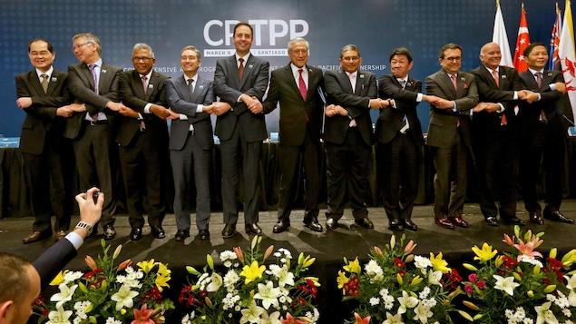 Des ministres des 11 pays signataires du PTP lors de la cérémonie de signature de l'accord, à Santiago, au Chili, en mars dernier.