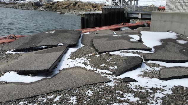 Le quai des Escoumins a subi des dommages superficiels