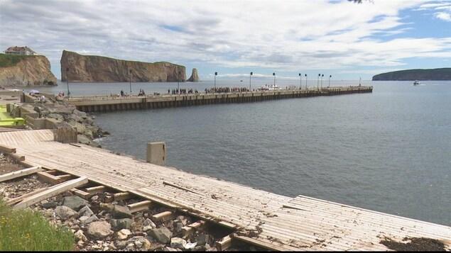 Le quai de Percé est en mauvais état et doit être réparé.