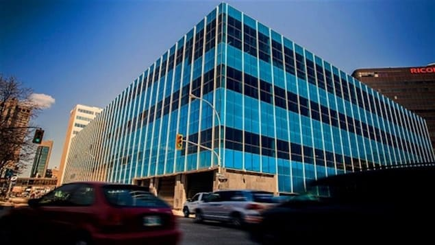 Le quartier général du Service de police de Winnipeg vu de l'extérieur.