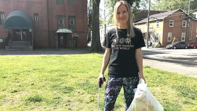 Anne-Marie Gingras invite la population à participer au défi ayant pour titre «Nettoie ton kilomètre».