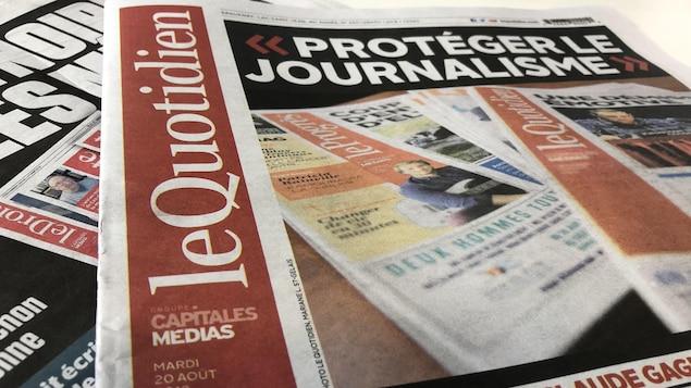 Des exemplaires du journal « Le Quotidien ».