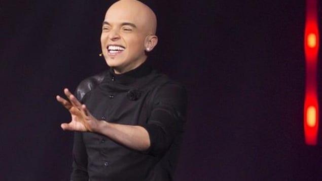 L'humoriste Rachid Badouri sur scène